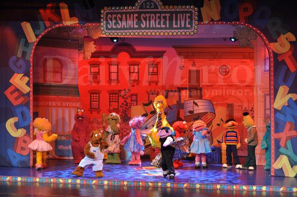 elmo makes music essay Elmo makes music is the original cast recording for the sesame street live show  of the same name track listing: sesame street theme - instrumental the.