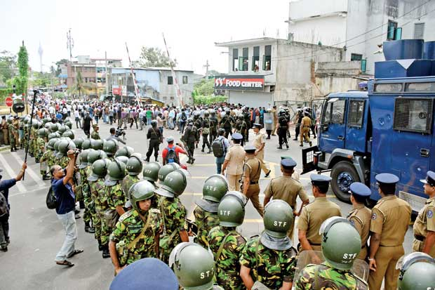 image 1501184118 6d2e19d361 in sri lankan news