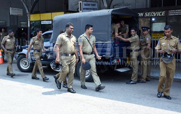 image 1520507314 d638d3dd81 in sri lankan news