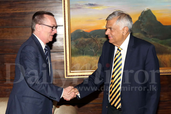 Top UN officer calls on PM