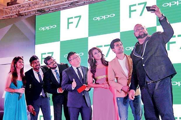 Oppo launches flagship 'selfie expert' F7 with AI ...