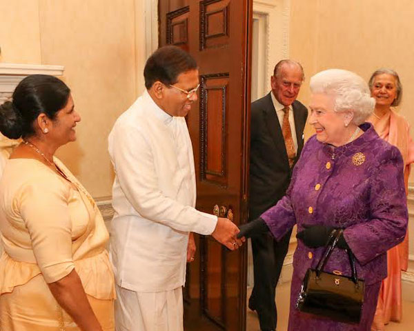 President maithripala meets the queen daily mirror sri lanka seen here in the picture is the commonwealth chairperson in office president sirisena greeting head of the commonwealth queen elizabeth ii m4hsunfo